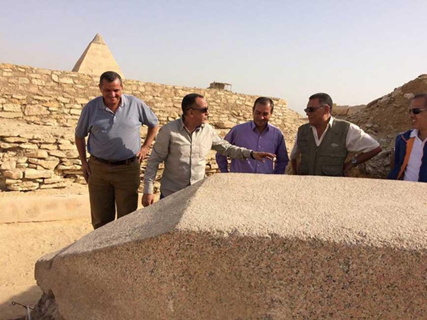 El obelisco recientemente descubierto en Saqqara y dedicado a una reina del Imperio antiguo.
