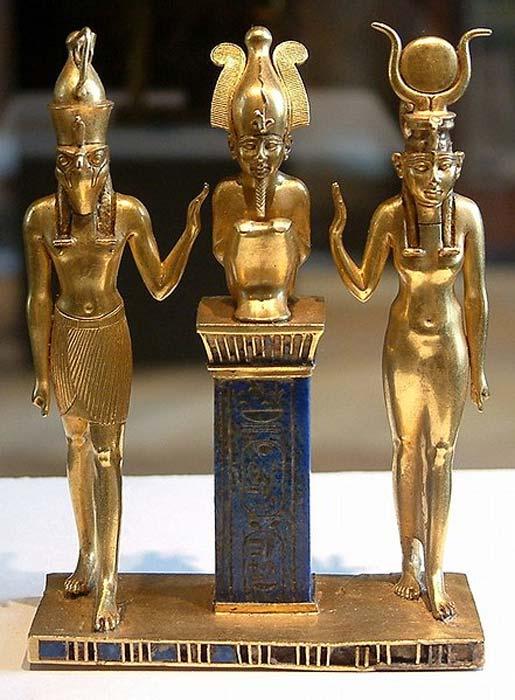 Osiris, Isis y Horus: colgante con el nombre del Rey Osorkon II