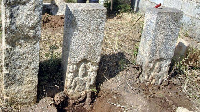 Hallan antiguo templo oculto en Bangalore, India