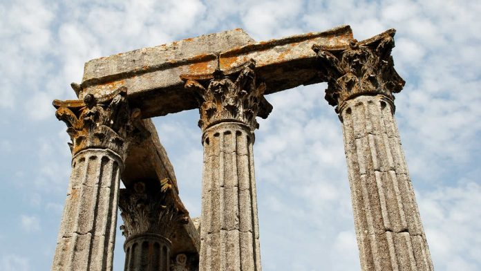 Antiguos pilares romanos naufragan en Turquía luego de tormenta en mar Negro