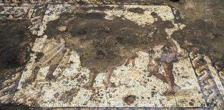 Raro mosaico bizantino del segundo o tercer siglo d.C. exhibido en el Parque Nacional israelí de Cesarea. El mosaico estaba minuciosamente compuestos de piedras pequeñas, aproximadamente 3.000 de ellas por pie cuadrado