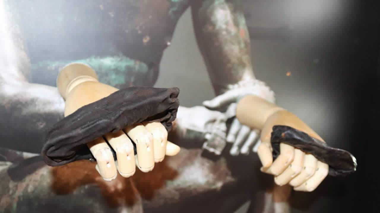 Hallan guantes de boxeo de 2.000 años y usados en la antigua Roma