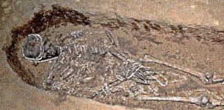 Hallan tumbas prehistóricas llenas de tesoros para el cuidado de hijos discapacitados