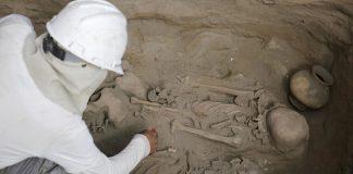 Docenas de antiguas tumbas en Perú revelan sacrificios de niños y tesoros arqueológicos
