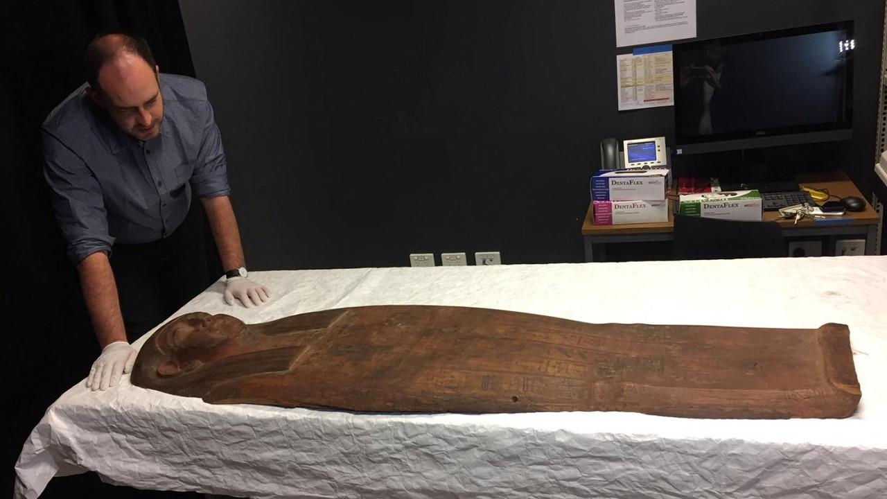 Hallan momia en un ataúd «vacío» de 2.500 años de antigüedad