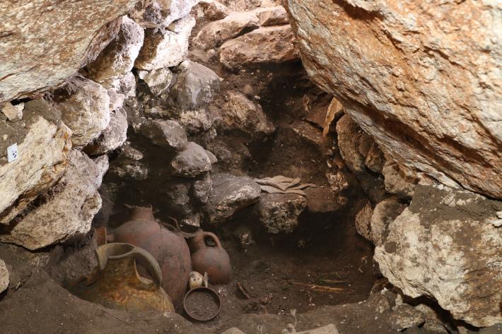 Los arqueólogos se sorprendieron al descubrir la tumba, repleta de ofrendas funerarias y restos humanos, sin interrupción durante unos 3.600 años.