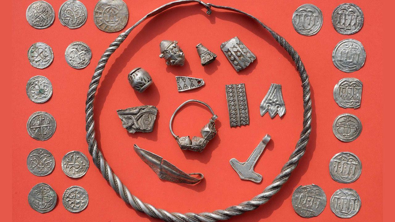 Hallan tesoro del rey vikingo Bluetooth en Alemania