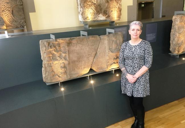 La Dra. Louisa Campbell en el Museo Hunterian