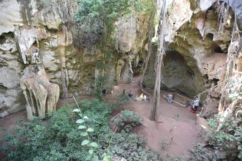 El primer registro sustancial de cuevas de la costa de Kenia abarca desde la Edad de Piedra Media hasta la Edad del Hierro, y muestra cambios graduales en innovaciones culturales, tecnológicas y simbólicas que comenzaron hace 67.000 años