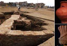 Hallan gigantesco edificio en Egipto con herramientas de bronce, estatuas y una moneda de oro
