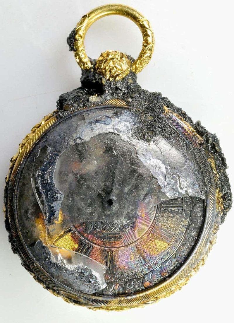 Este reloj de oro macizo encontrado en los restos dejó de funcionar cinco minutos después de que el barco supuestamente se hundió
