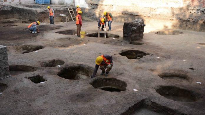 Hallan 26 fosas prehispánicas de hace más de 2.500 años al sur de la Ciudad de México