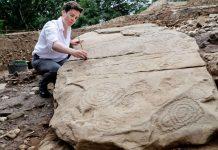 Hallan tumba megalítica de 5.500 años en Irlanda