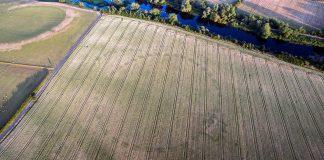 Misterioso monumento antiguo es revelado por la sequía en Irlanda
