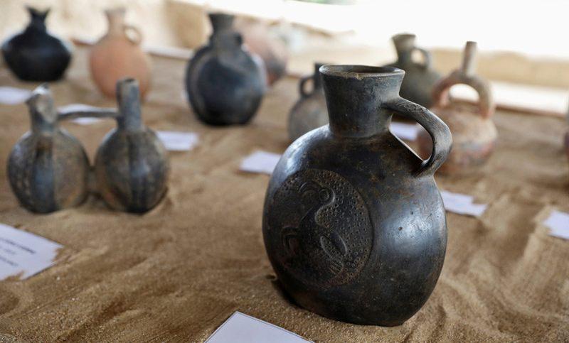 Cerámica inca hallada en Huaca Las Abejas, Complejo Arqueológico de Túcume, Lambayeque, Perú, 4 de julio de 2018.