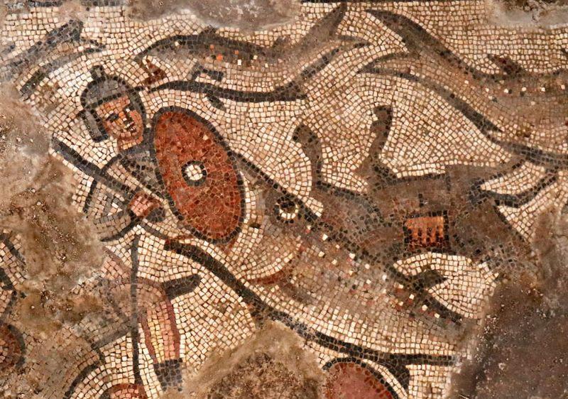 Un pez tragándose a uno de los soldados de Faraón, una escena del Éxodo