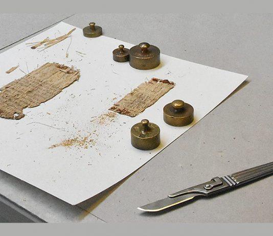 Revelan misterio de papiro de Basilea escrito en espejo hace 2.000 años