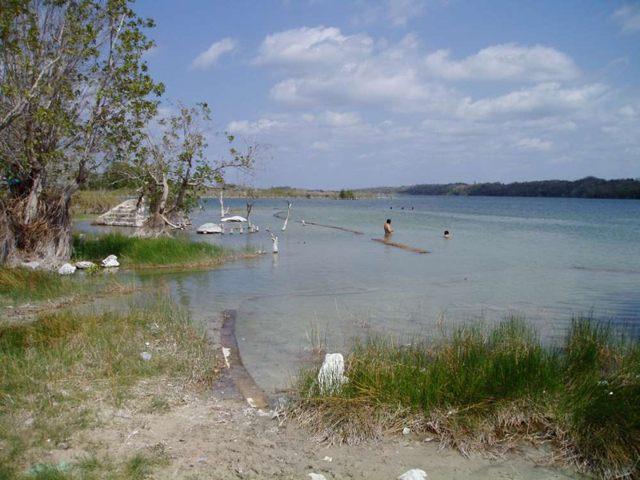 El lago Chichancanab significa «el pequeño mar» en maya, lo que refleja su contenido salado. Ha demostrado ser una mina de oro para explorar la historia climática de la zona