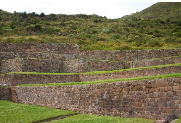Las terrazas a diferentes niveles de Tipón, lugar agrícola inca