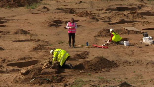 Se han encontrado más de 60 tumbas en el sitio