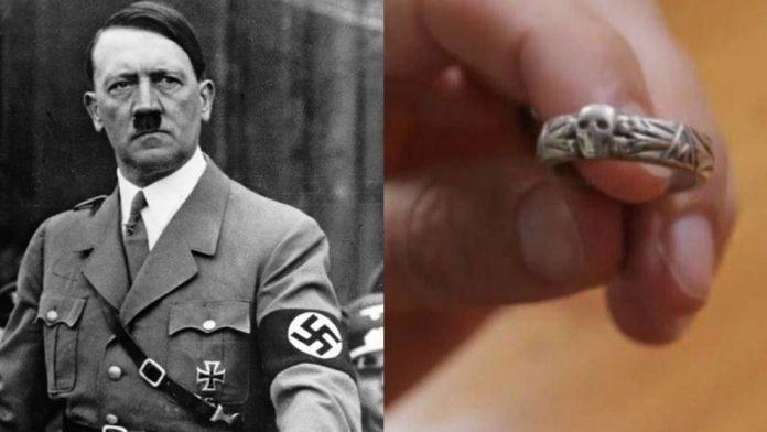 Hallan un anillo de plata con el nombre de Hitler