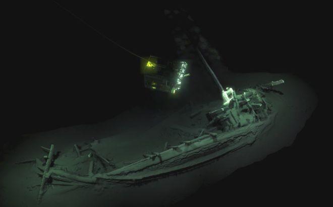 El barco fue inspeccionado y mapeado digitalmente por dos vehículos remotos submarinos