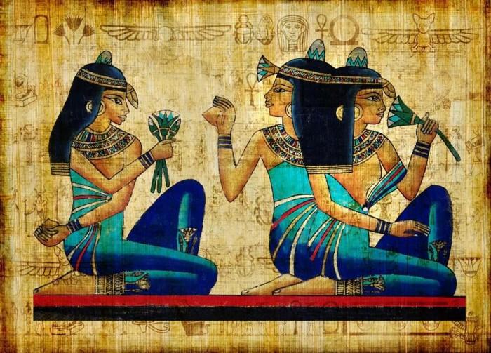 El azul egipcio es considerado el primer pigmento sintético. Se derivó del silicato de cobre y calcio y se usó de forma rutinaria en antiguas representaciones de dioses y realeza en el antiguo Egipto, como las de este papiro de la época