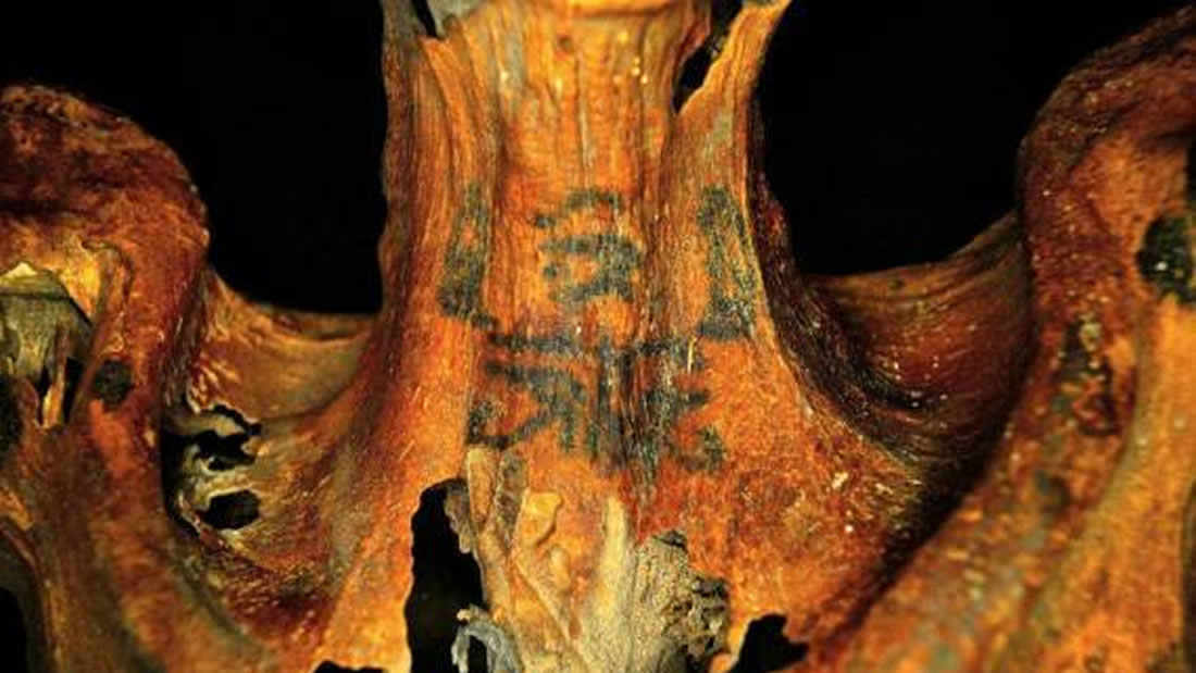 Esta mujer con tatuajes de hace 3.000 años podría haber sido una sacerdotisa respetada
