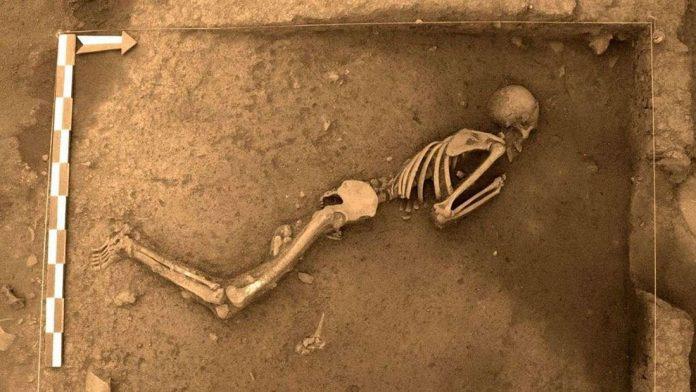 Hallan dos entierros de 3.000 años de antigüedad en Cusco, Perú
