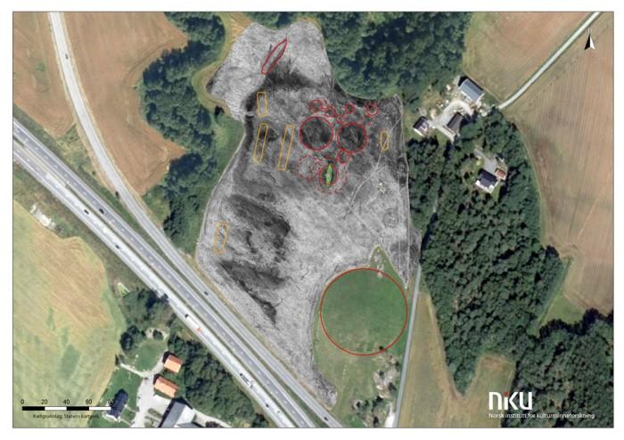 Un estudio aéreo del campo muestra el número de túmulos y casas largas en el área