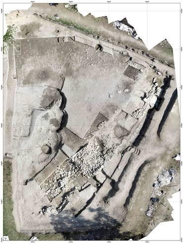 Vista del sitio de excavación arqueológica de Cailar (Gard), Francia