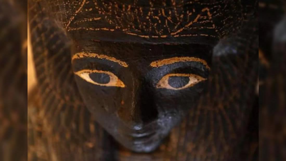 Hallan momias en excelentes condiciones en una tumba egipcia de 3.500 años