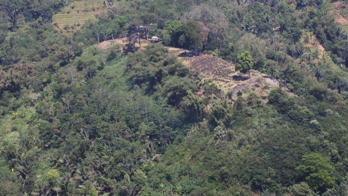 Hallan una pirámide oculta en Indonesia por miles de años