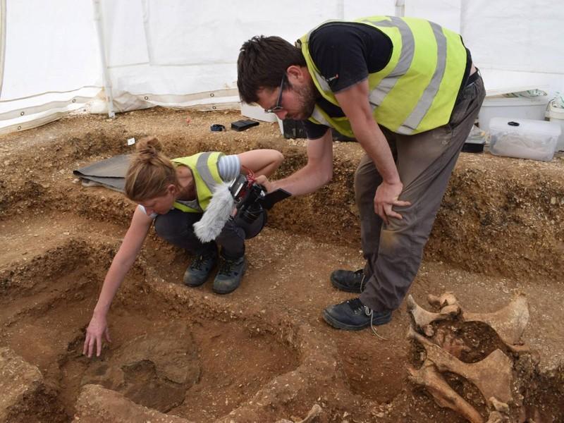 La excavación de un entierro de carro de la Edad de Hierro cerca de Pocklington, Yorkshire
