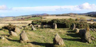 Este «antiguo» círculo de piedra en Escocia ha resultado ser nada antiguo