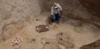 Hallan una tumba inca con los restos de 9 personas aparentemente sacrificadas hace más de 500 años