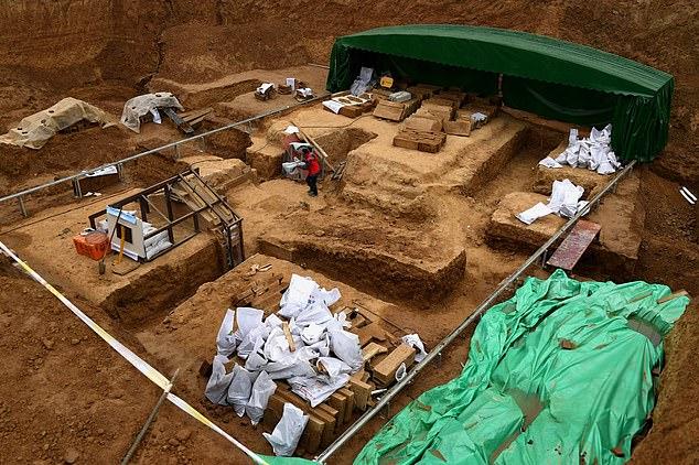 El líquido, desenterrado de la tumba de una familia noble en la tumba de la Dinastía Han del Oeste (202 a.C. -8 d.C. ) contiene 3.5 litros de sales de potasio que ahora han sido confirmadas por pruebas de laboratorio
