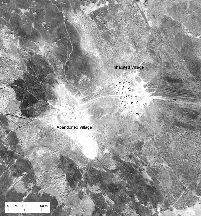 Las imágenes de los aviones U2 del sur de Irak presentan el diseño, el tamaño y la posición del medio ambiente de las áreas árabes del pantano, de los finales de los años cincuenta y los principios de la sesenta, muchas de las cuales han desaparecido después de las represas hidroeléctricas que se apoderaron de los ríos