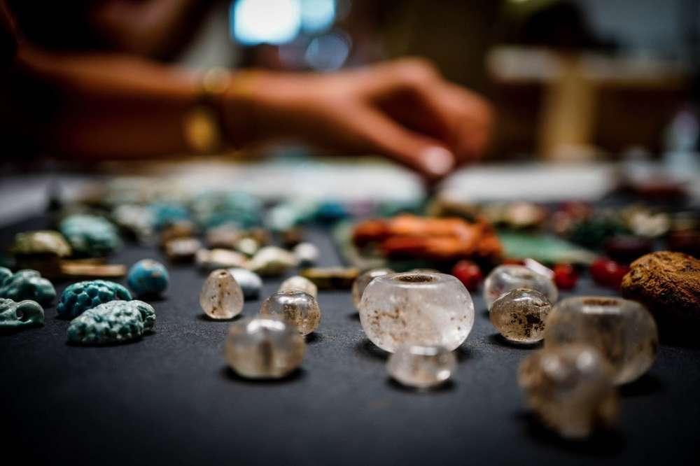 Encuentran un cofre lleno de artefactos de hechicería en Pompeya